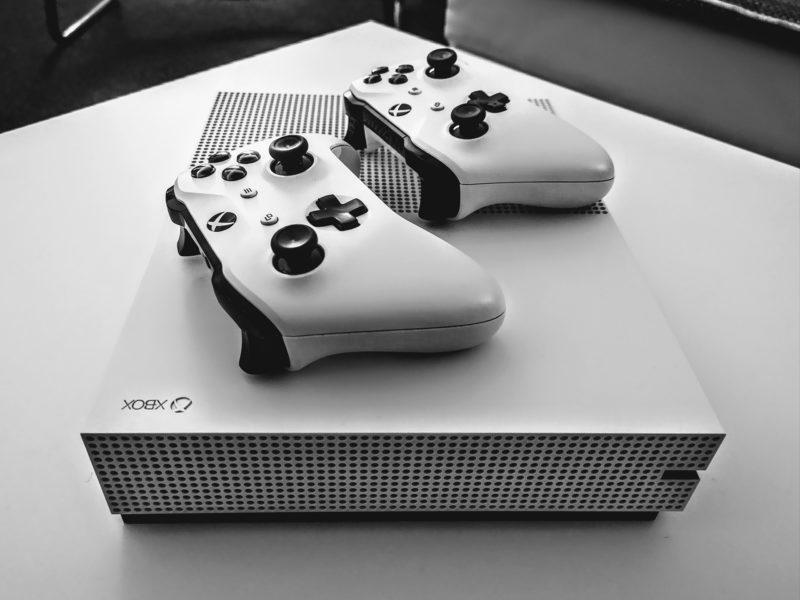 Premiera Xbox One S bez napędu optycznego już w maju? Co wiemy o Xbox One S All-Digital Edition?