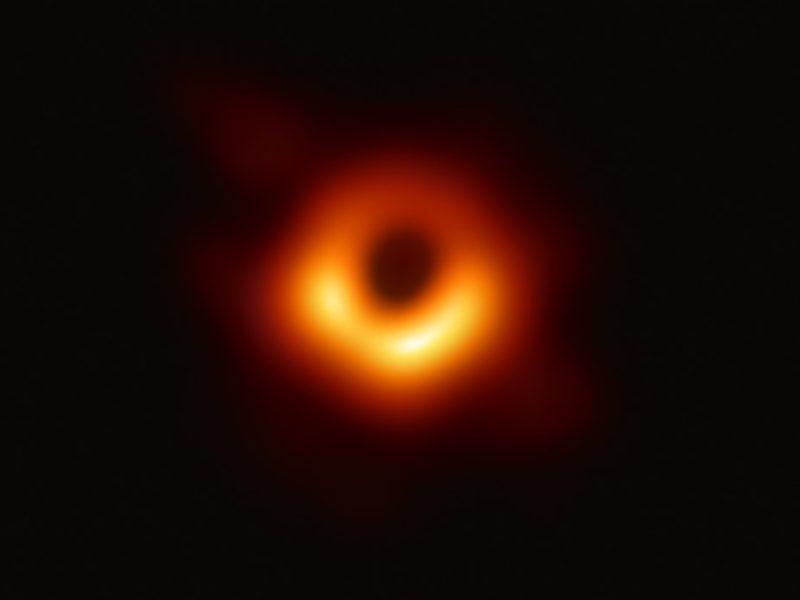 Kolejny krok w zgłębianiu kosmosu. Czarna dziura po raz pierwszy na zdjęciu