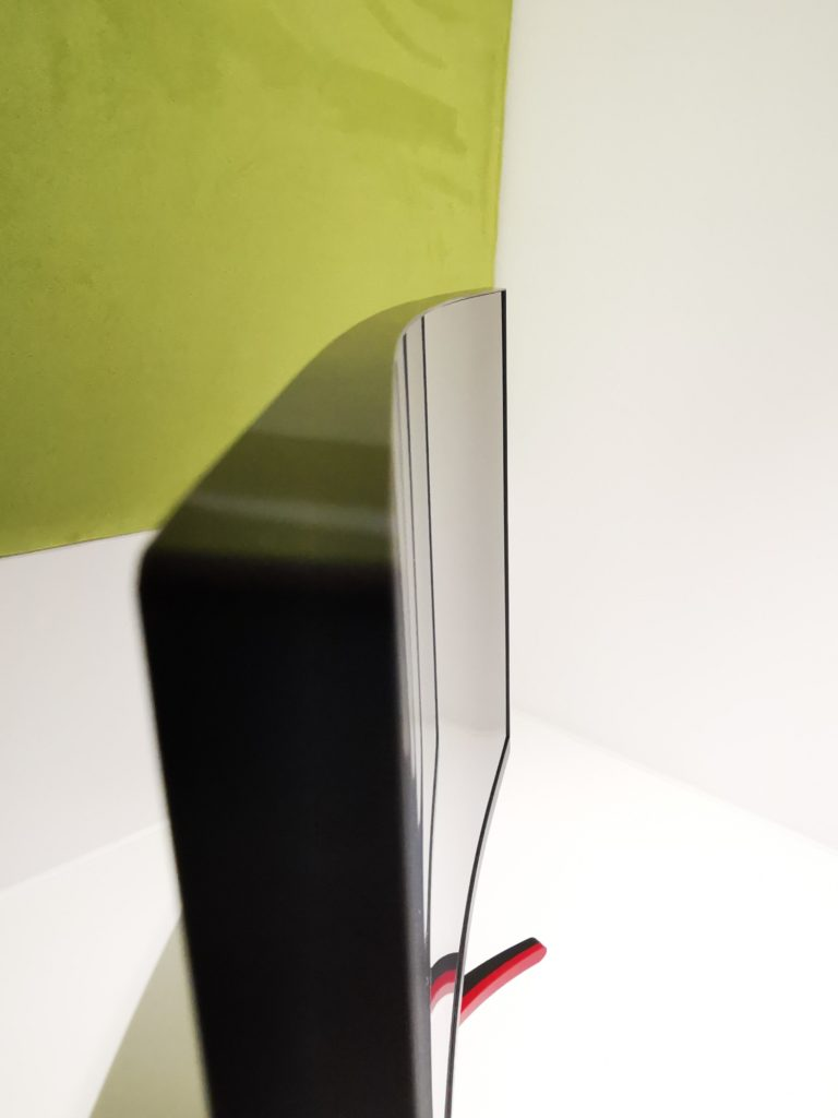 Acer ED273URPBIDPX ramka i krzywizna