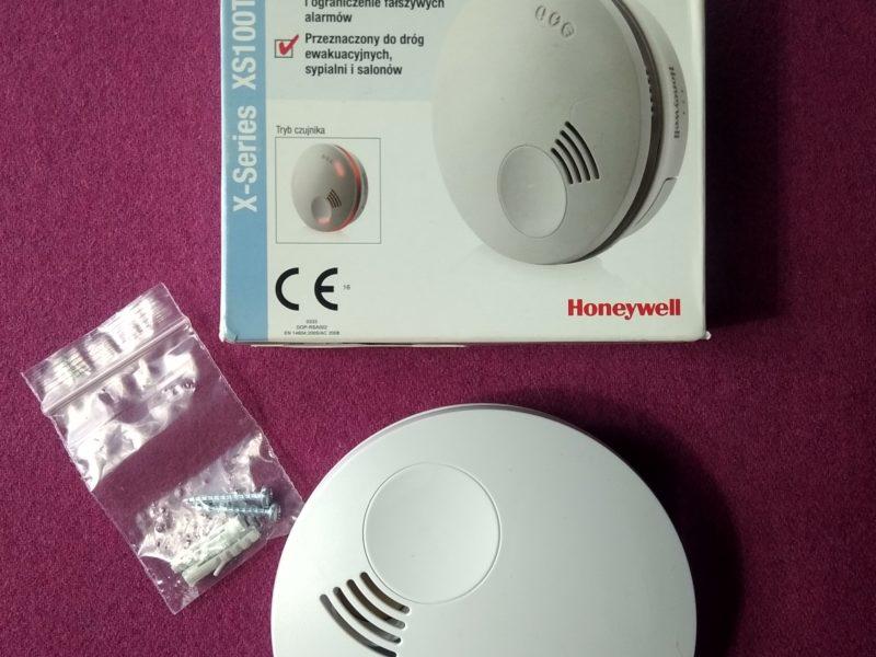 10 powodów za tym, aby wyposażyć dom w czujnik dymu Honeywell XS100T-PL