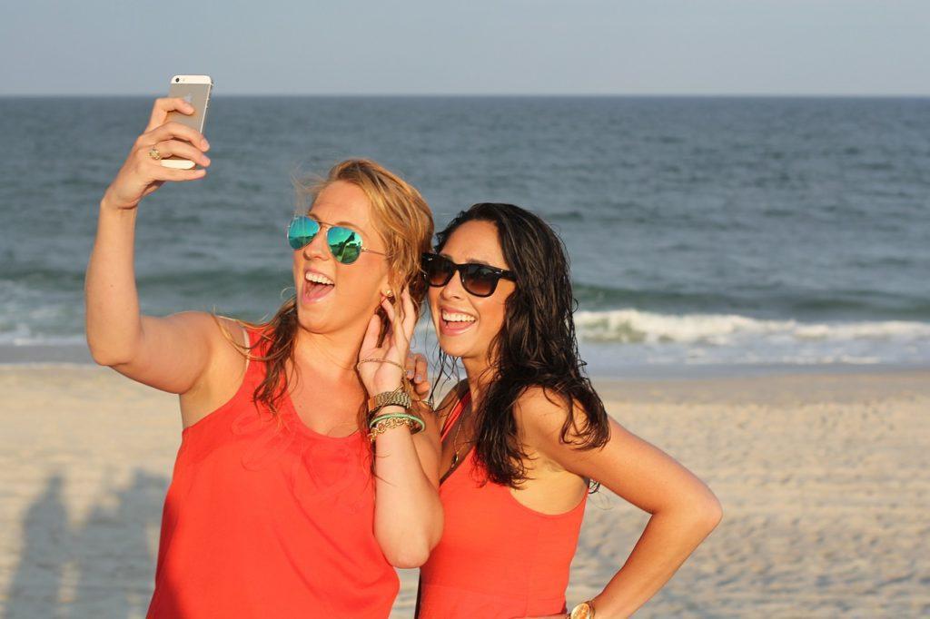 smartfon zalanie wakacje