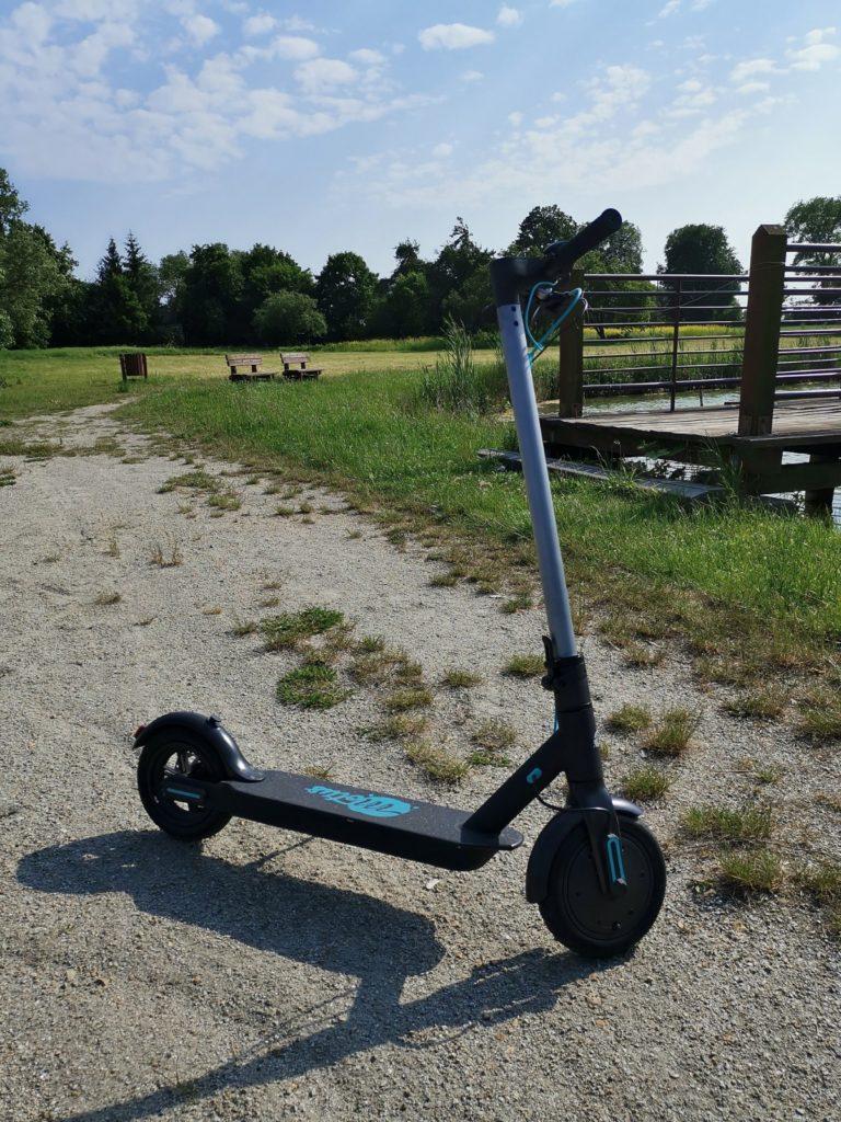 Hulajnoga elektryczna Motus Scooty 8,5 komfort jazdy