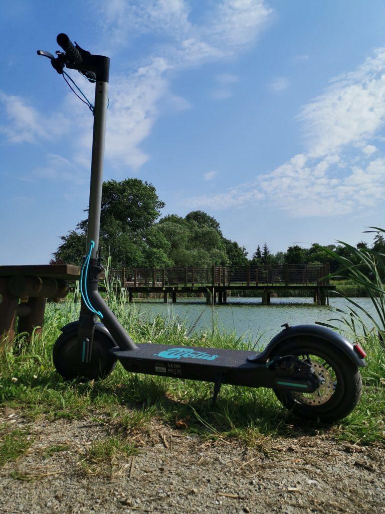 Hulajnoga elektryczna Motus Scooty 8,5 podest