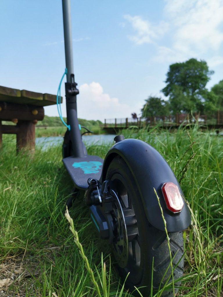 Hulajnoga elektryczna Motus Scooty 8,5 tylne koło