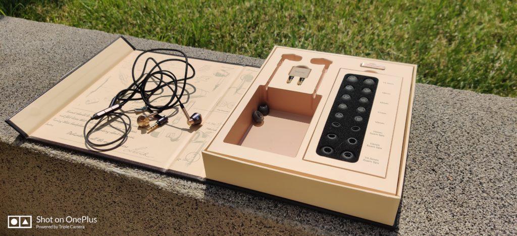 Słuchawki 1more E1001 Triple Driver wraz z pudełkiem