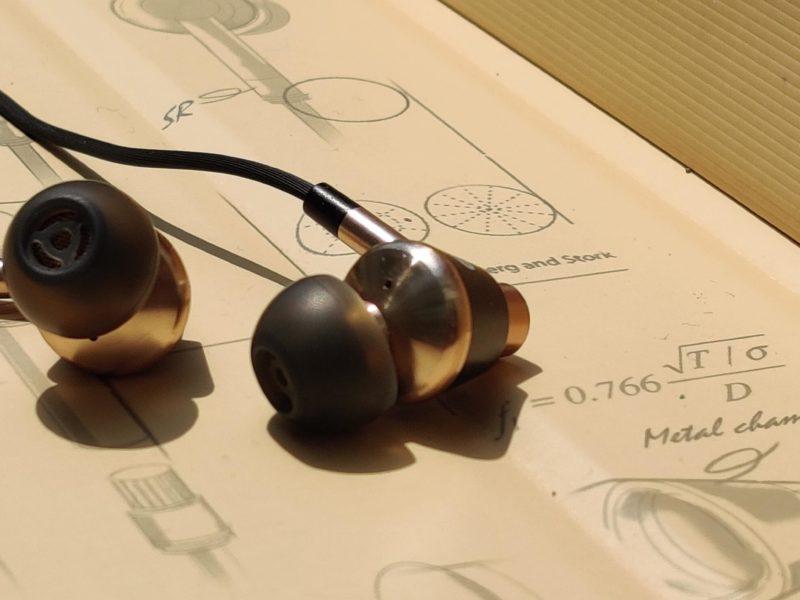 Recenzja 1more E1001 Triple Driver. Jak spisują się słuchawki dokanałowe z trzema przetwornikami?