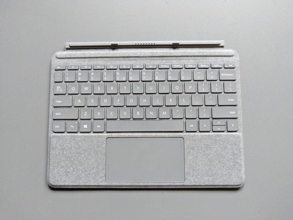 Microsoft Surface Go klawiatura pokryta alcantarą