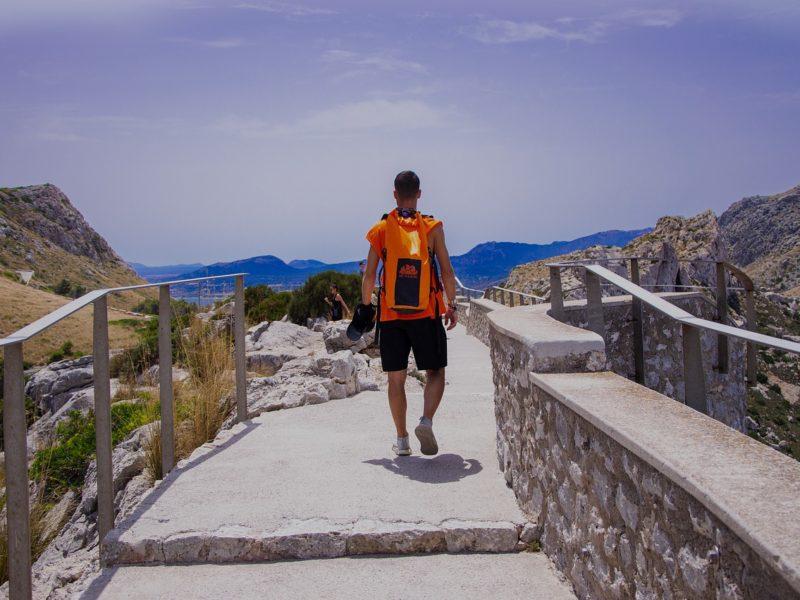 Z czym zwiedzać? Najlepsze darmowe aplikacje turystyczne