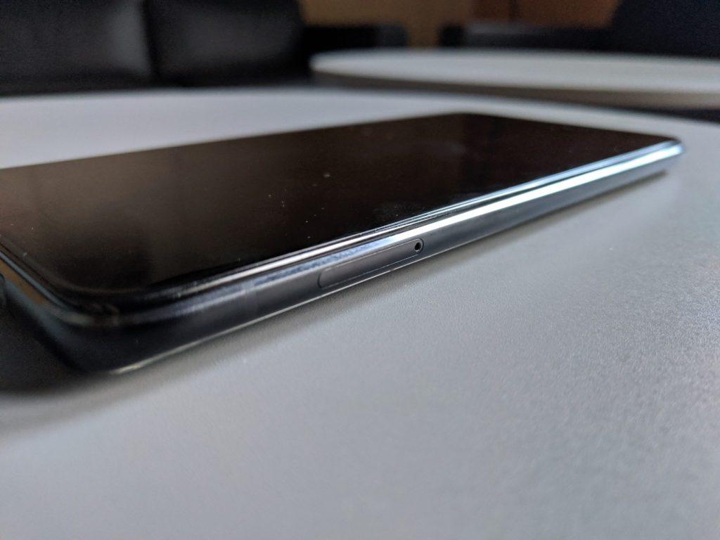 Asus Zenfone 6 zdjęcie lewej ścianki telefonu