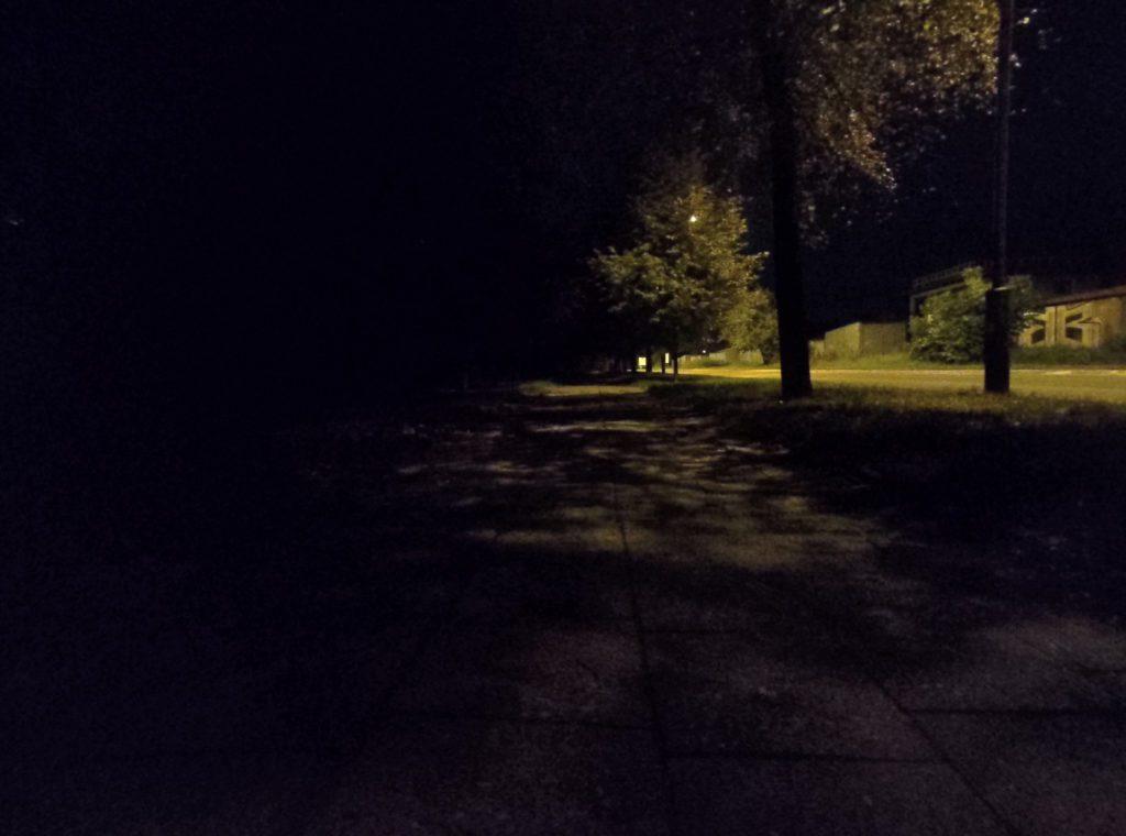 Asus Zenfone 6 zdjęcie nocne z włączonym trybem nocnym aparat szerokokątny