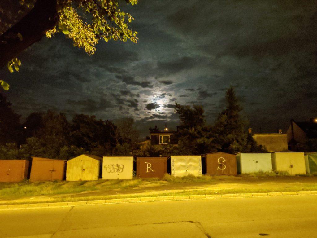 Asus Zenfone 6 zdjęcie w trybie nocnym księżyc główny aparat
