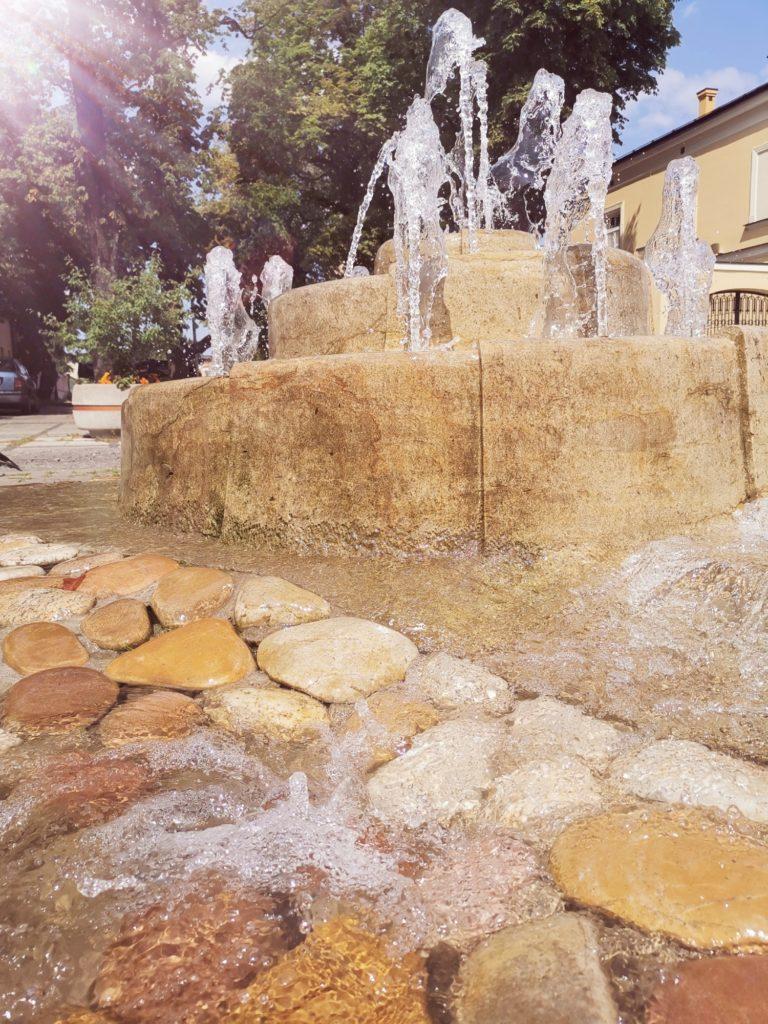 Huawei Mate 20x zdjęcie fontanny z efektem