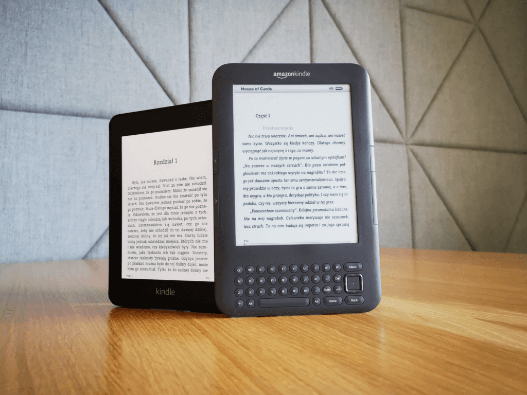 Kindle Paperwhite 4 versus Kindle Keyboard