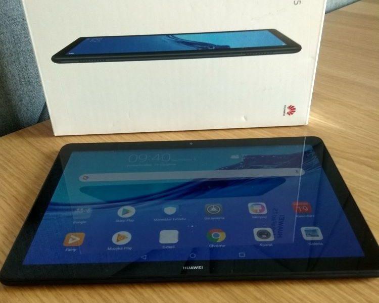 Test i recenzja Huawei MediaPad T5 10 LTE. Czy w dzisiejszych czasach inwestycja w tablet się jeszcze opłaca?