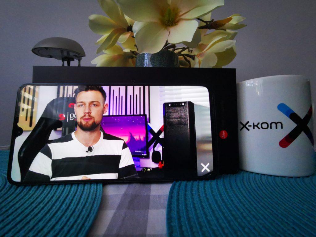 Huawei Mate 20x obraz na całym wyświetlaczu