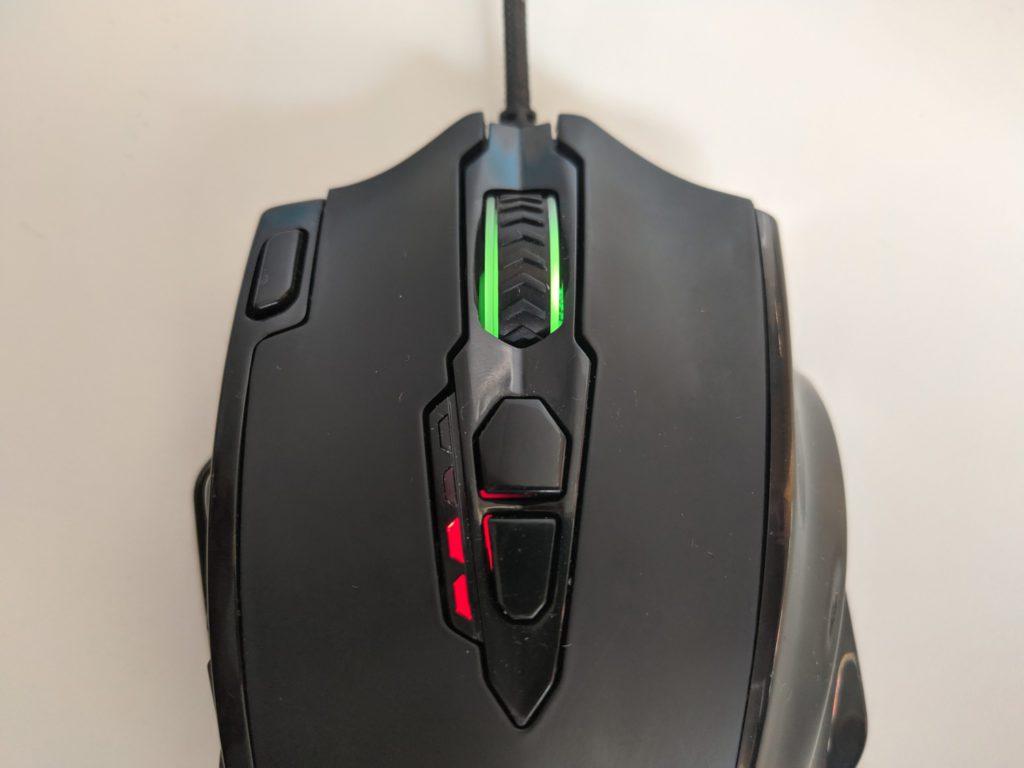 Redragon Impact przyciski na górze myszki wraz z rolką