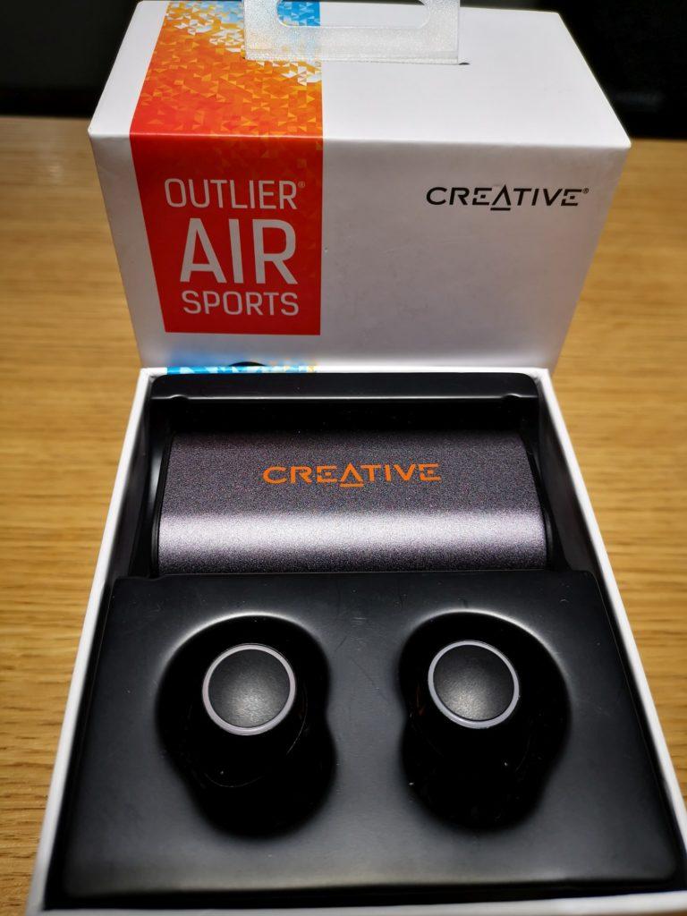 Creative Outlier Air Sports — zawartość opakowania po otwarciu pudełka