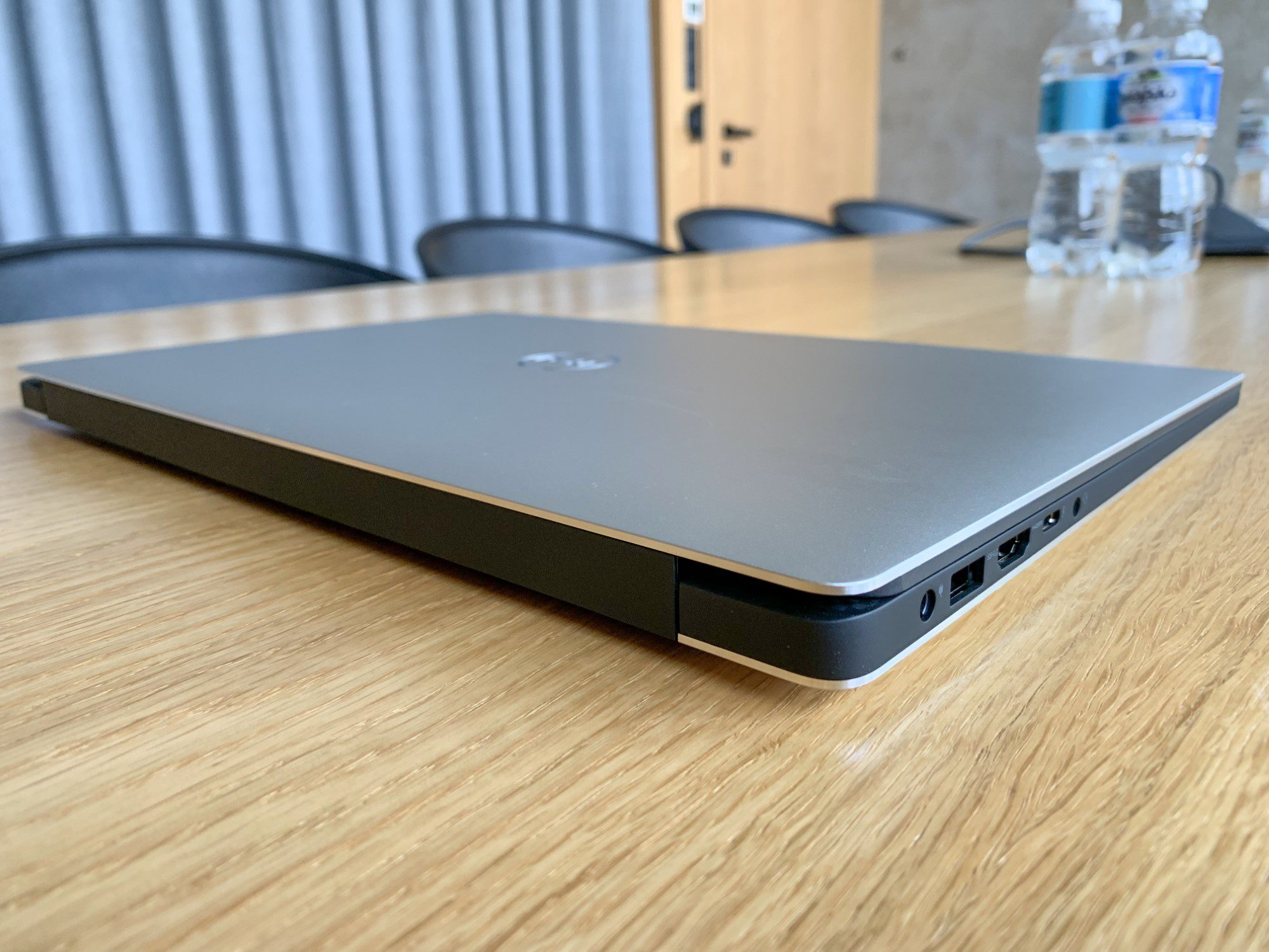 tył dell xps 7590