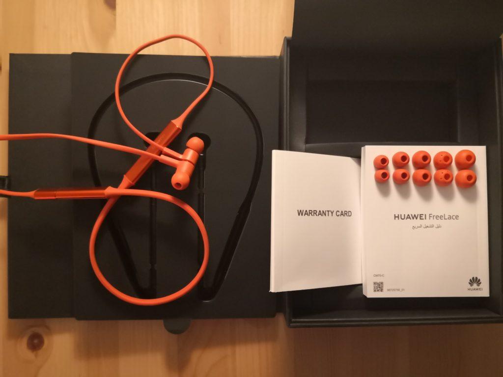 co znajduje się w opakowaniu słuchawek Huawei FreeLace