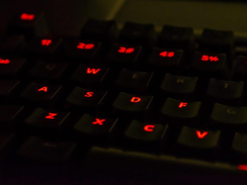 Dobra klawiatura mechaniczna dla gracza? Test i recenzja SPC Gear GK530 Tournament z przełącznikami Cherry Mx Red