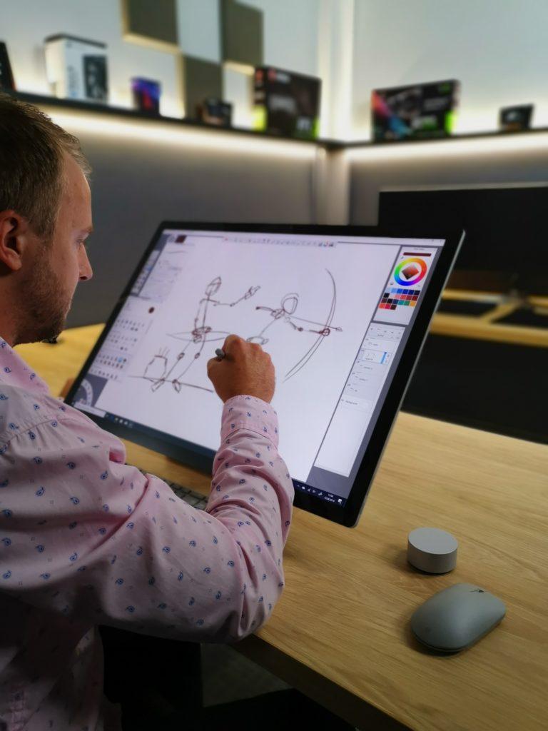 Microsoft Surface Studio 2 praca z grafiką