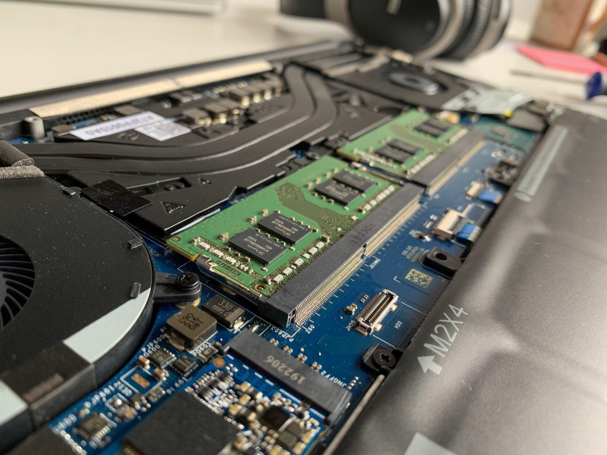 slot ram i układ chłodzenia xps 7590