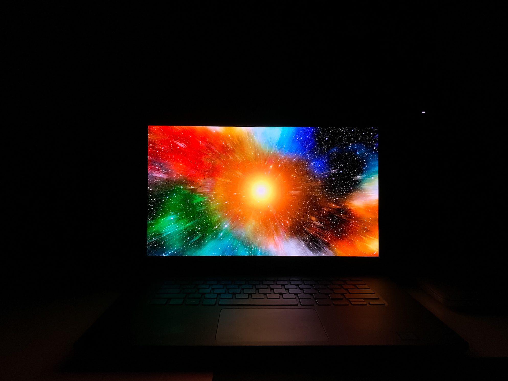 xps 15 oled kolory w nocy