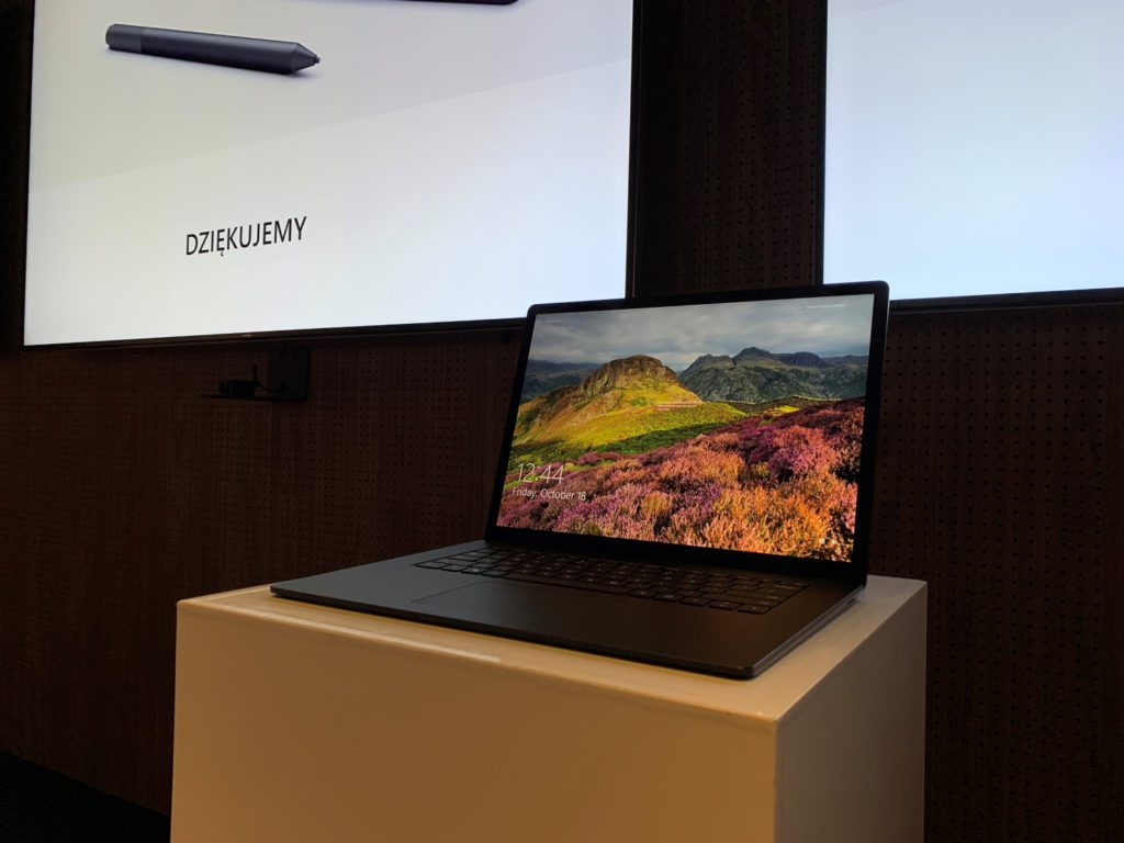 nowy surface laptop