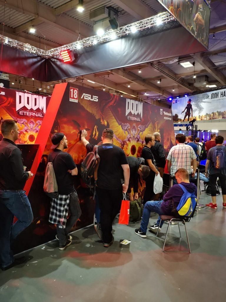 kolejka do gry Doom Eternal