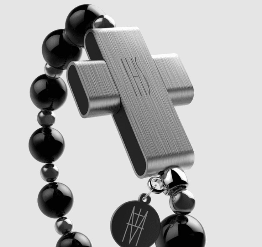 Jak paciorki e-Różańca, czyli akcesorium wearable z papieskim błogosławieństwem