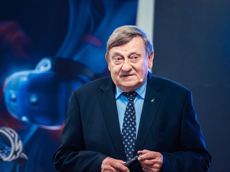 Gen. Hermaszewski znów w kosmosie! HTC Vive Cosmos – najnowszy system wirtualnej rzeczywistości oficjalnie zadebiutował w Polsce