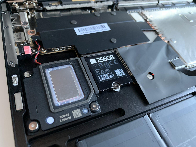 wymiana dysku w surface laptop 3 15