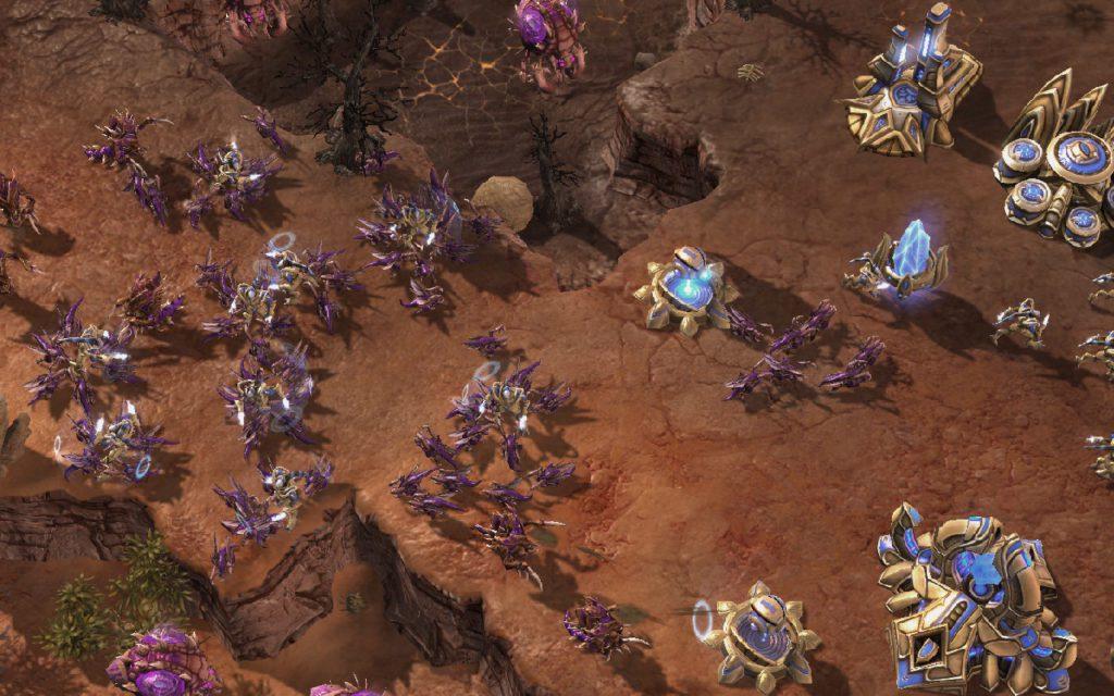 Zerglingi atakują StarCraft 2