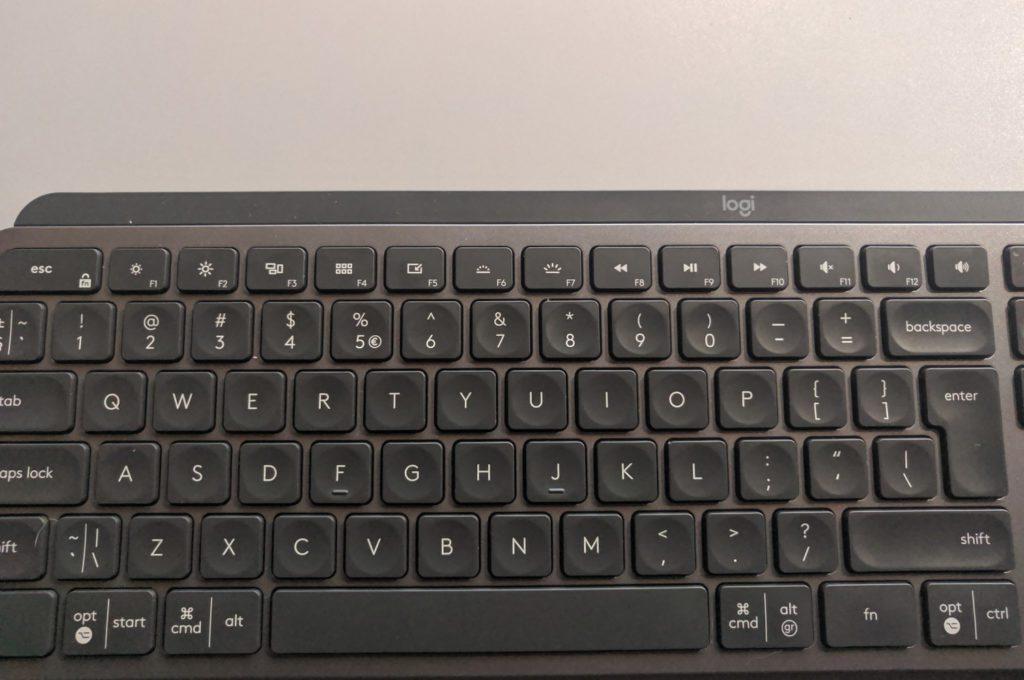 Logitech MX Keys przyciski funkcyjne po lewej stronie klawiatury