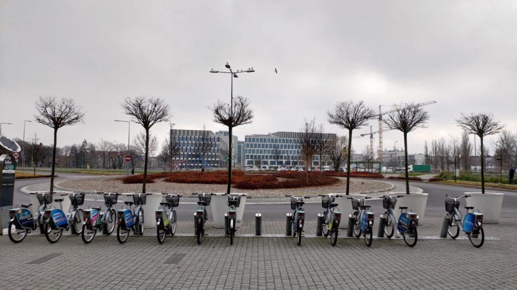 Zdjęcie z ASUS ROG Phone II Poznań, stacja rowerów