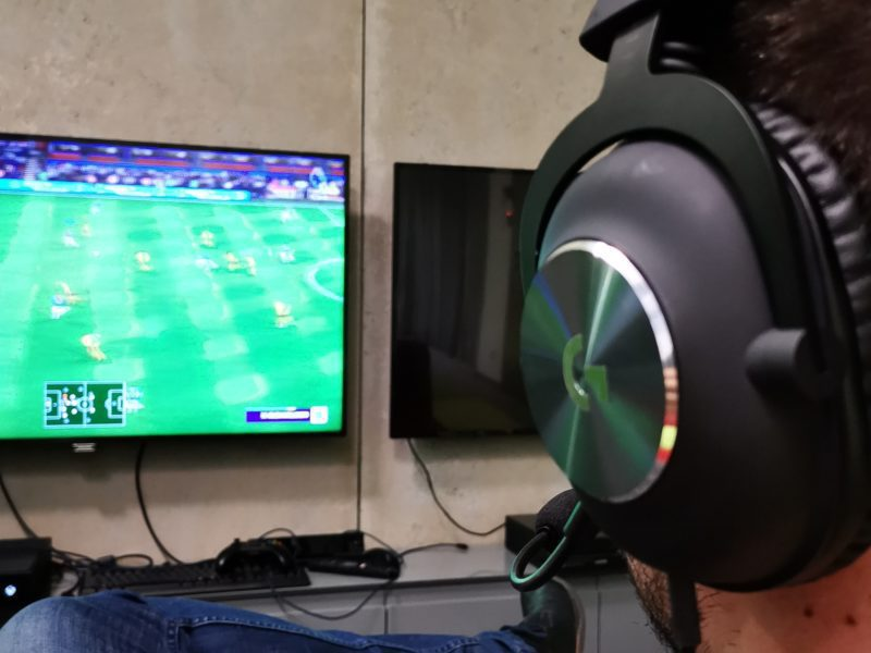 Wracają rozgrywki Premier League. Ciszę pustych trybun wypełnią dźwięki z FIFA 20