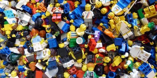 Kronika LEGO. Krótka historia klocków, które podbiły serca milionów