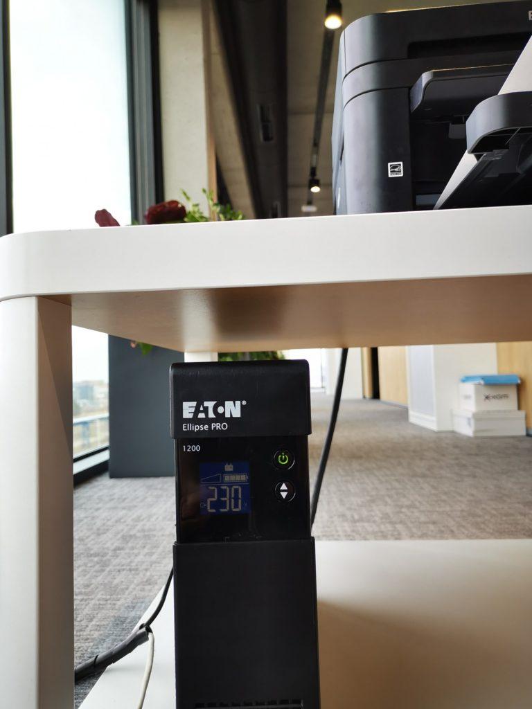 Eaton Ellipse Pro 1200 obciążony drukarką