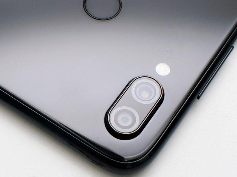 Koniec z wystającymi aparatami w smartfonach? Jest na to szansa
