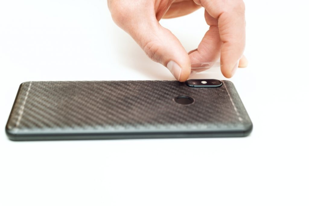 szkło ochronne na obiektyw w smartfonie