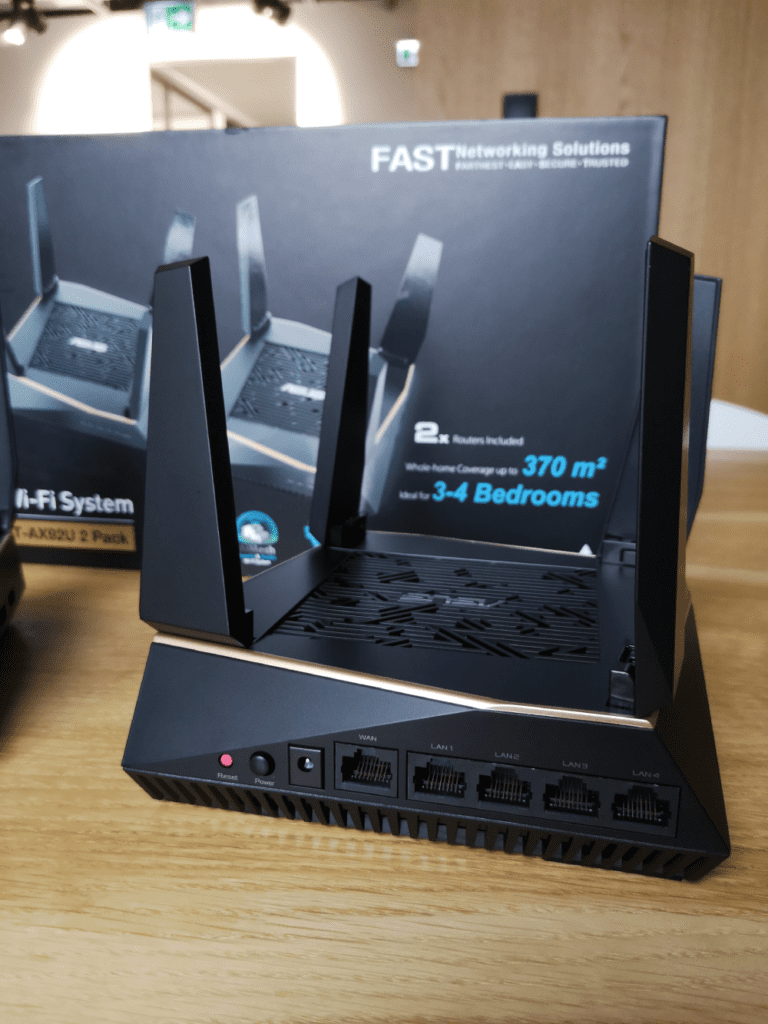 ASUS RT-AX92U router