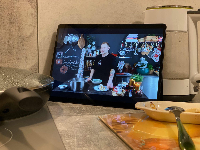 surface pro x w kuchni