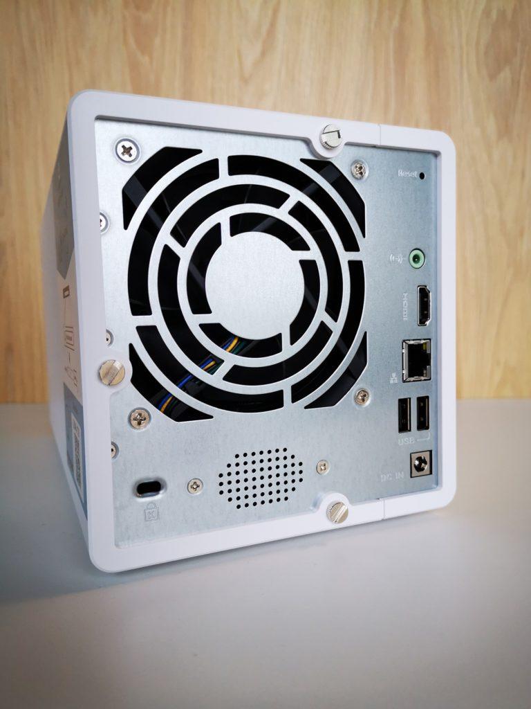 QNAP TS-351-2G tylny panel