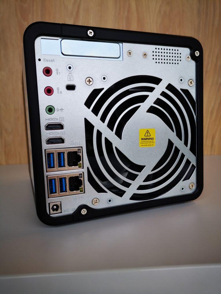 Tylny panel QNAP TS 453Be 4G