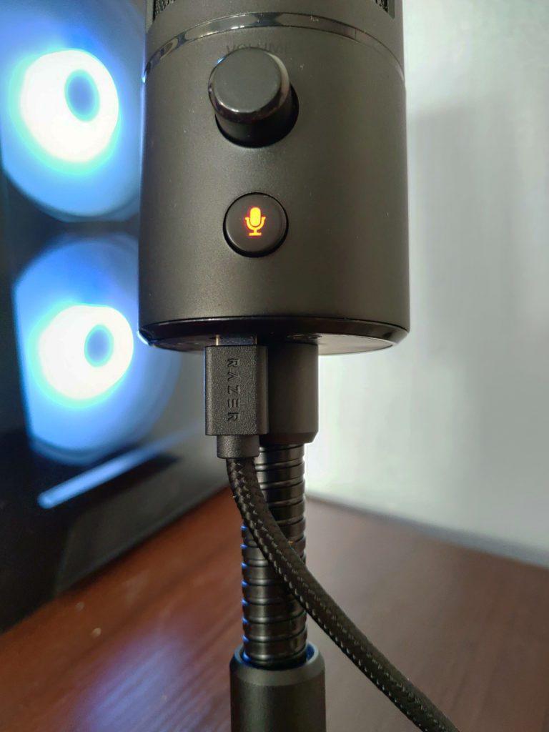 Razer Seiren Emote wygięty kabel złącze micro usb