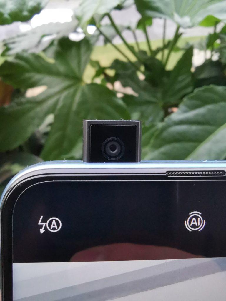 P Smart Pro aparat selfie