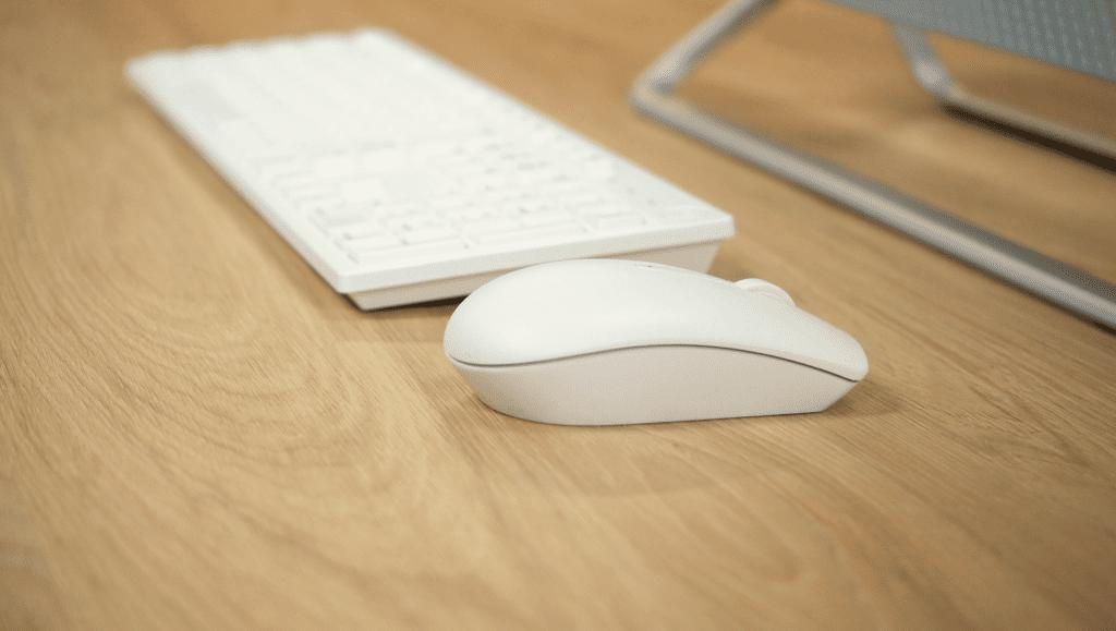 Dell Inspiron 5490 myszka