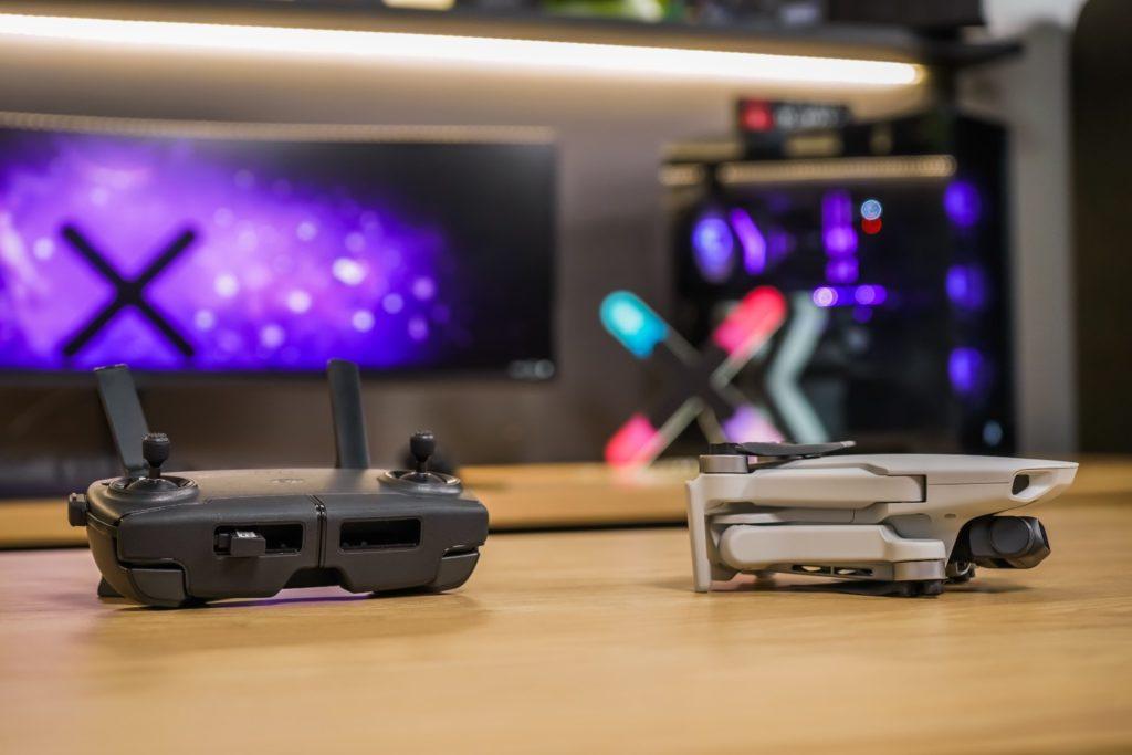 dron mavic i kontroler