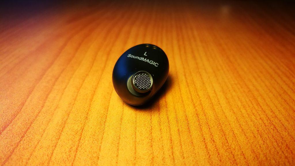 wygląd słuchawki soundmagic tws50