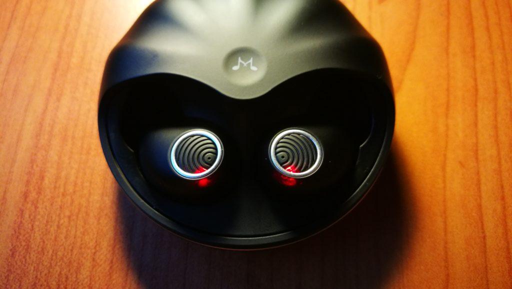 wygląd przycisków dotykowych słuchawek soundmagic tws50